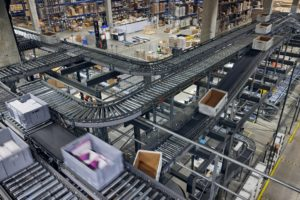 HUB logistics verkkokaupan logistiikka